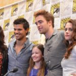 taylor-lautner-robert-pattinson-stephenie-meyer-and-mackenzie-foy-at-event-of-the-twilight-saga_-breaking-dawn-part-2-large-picture